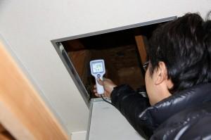 屋根裏や床下の湿度測定 湿度が高いと木材に良くありません